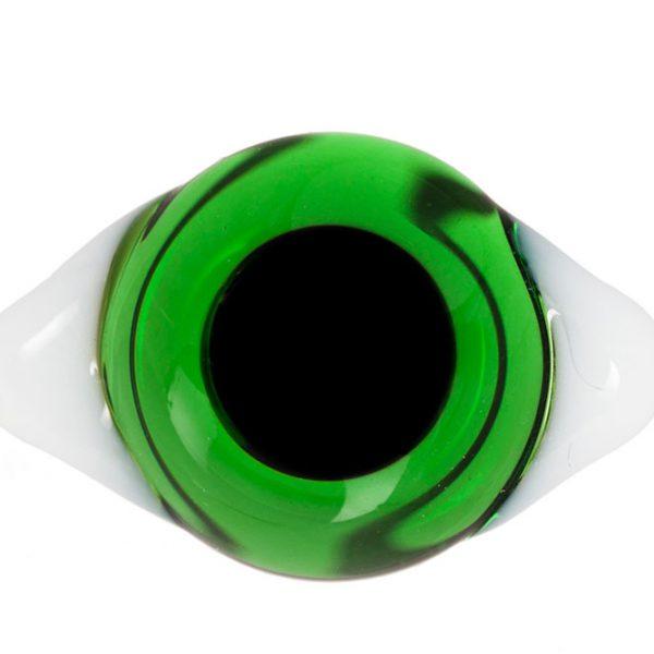 Глаза с белками Зеленые