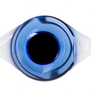 Глаза с белками Светло-синие