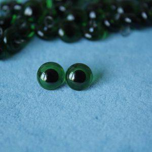 Глаза зеленые