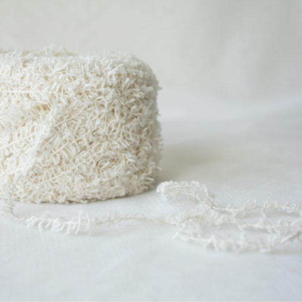 Пряжа для вязания (белый)