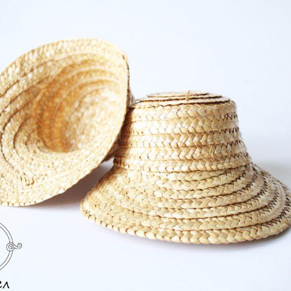 Соломенная шляпа маленькая